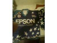 Bag of ice hockey/roller hockey shirts and socks