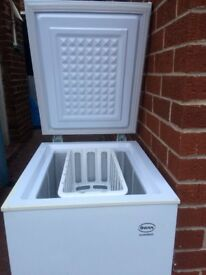 SWAN CHEST FREEZER IN GOOD WORKING CONDITION.