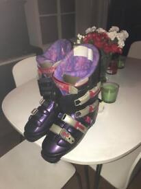 Solomon Evolution 8.1 ski boot in size 9