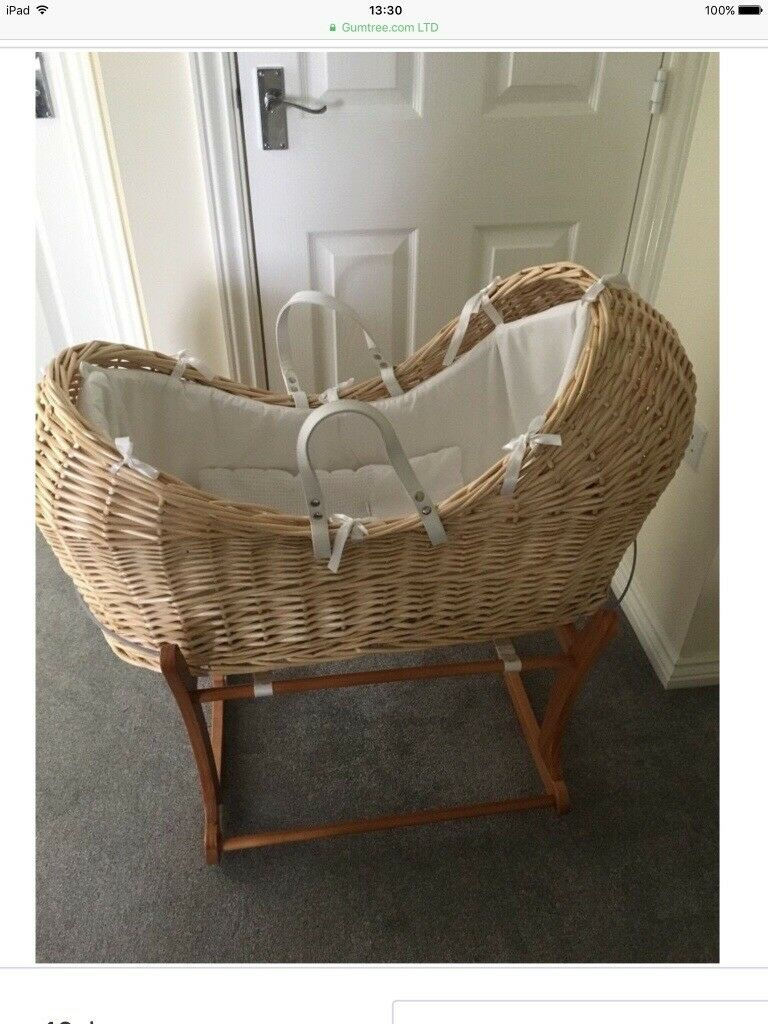 Baby Claire de lune Noah Pod Moses basket with wood rocking stand ...