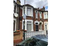 Three bedrooms house to let manor park E126nl