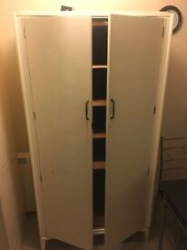 Wardrobe with scheld for FREE