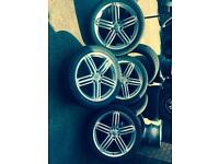 Audi Q7 alloys wheeler and tyres 22'' nearly nee