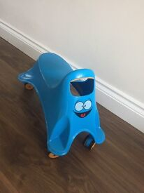 Ride-on scooter