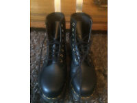 Almost new Doc Marten (vegan and no real leather)