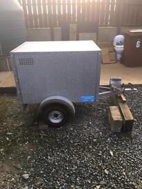 Broniss dog trailer