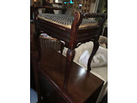 Enchanting Vintage Tapestry Queen Anne Mahogany Lift Up Seat Storage Piano Stool