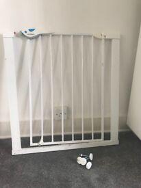 Lindam Child Safety Gate - Pressure Fit