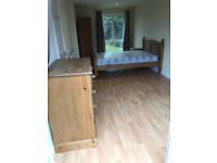 Large double room near Summertown