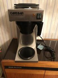 COMMERCIAL COFFEE MACHINE WITH 2 BRAND NEW POTS INC FILTERS