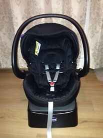 Chicco Auto fix fast car seat 0+ 0-13Kg Includes rain cover LIKE NEW USED A FEW TIMES RRP£120.00
