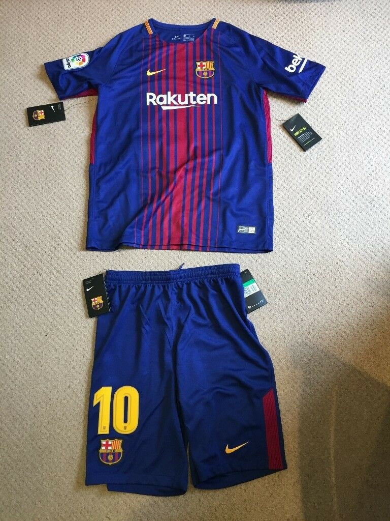 huge discount bfcce c79b8 Barcelona Nike home kit 2017/18 Messi #10 - totally NEW - for 13-15 year  old | in Crouch End, London | Gumtree