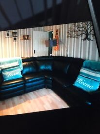 Corner leather suite for sale. Too big my my lounge. Good condition