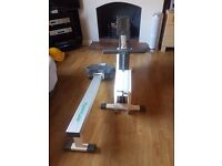 Tunturi R710 Rowing Machine with pulse computer