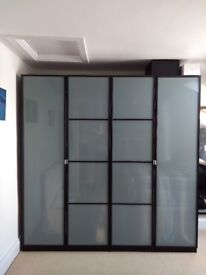 Double wardrobe in very good condition: Can be sold separately