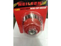 Twist Knot Wire Cup Brush