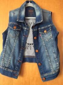 Levi's jacket age 10