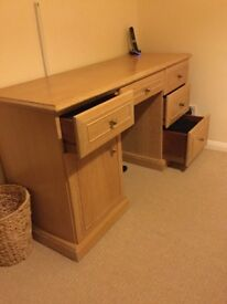 Lined oak dresser unit