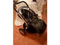 Quinny Buzz pram/ cot/ car seat and iso fix base