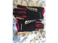 Altura ladies night vision windproof cycling gloves, size small, great condition!