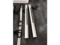 Thule aero roof bars, foot pack and 2x 591 cycle carriers