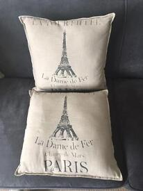 Pair of cushions (Paris)
