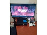 Xbox 360 4gb used 4 it works perfectly Plus 8 game 1 controller plus 500 gb external drive.