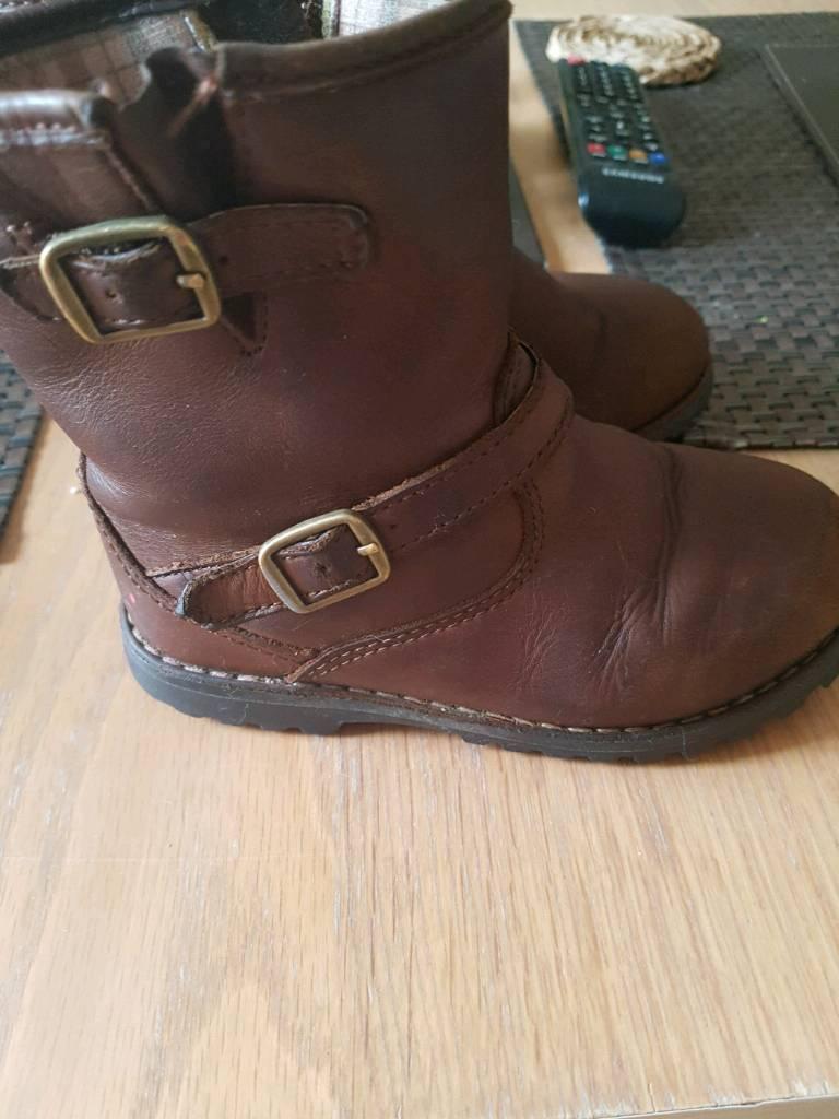 Genuine ugg boots 9