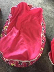 Girls Beanbag with harness/without harness VGC