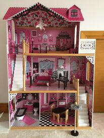 Beautiful Girl's Doll House