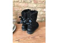 New in box ugg boots size 7