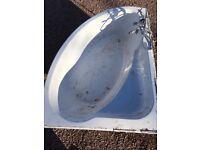 Fiberglass white corner bathtub 1500x1050mm