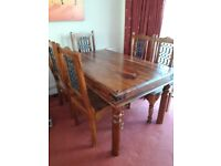 BEAUTIFUL 6 Seater OAK Dining room table with ORNATE chairs
