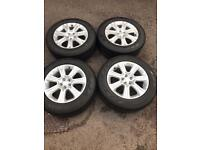 "Set of 18"" Genuine Land Rover alloy wheels and tyres Freelander 2 discovery sport evoque"