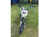 125cc pit bike Chinese import sold as seen. Does run !!