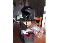 Mens black GIRO G10 MX Freestyle ski helmet with detachable visor