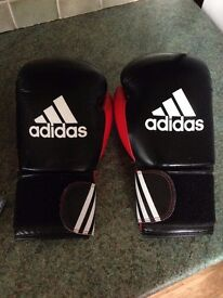 Adidas 10 oz boxing gloves for sale £15