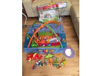 Baby play mat with accessories