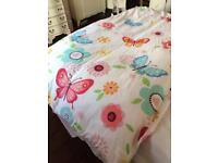 Single quilt, quilt cover and pillow case