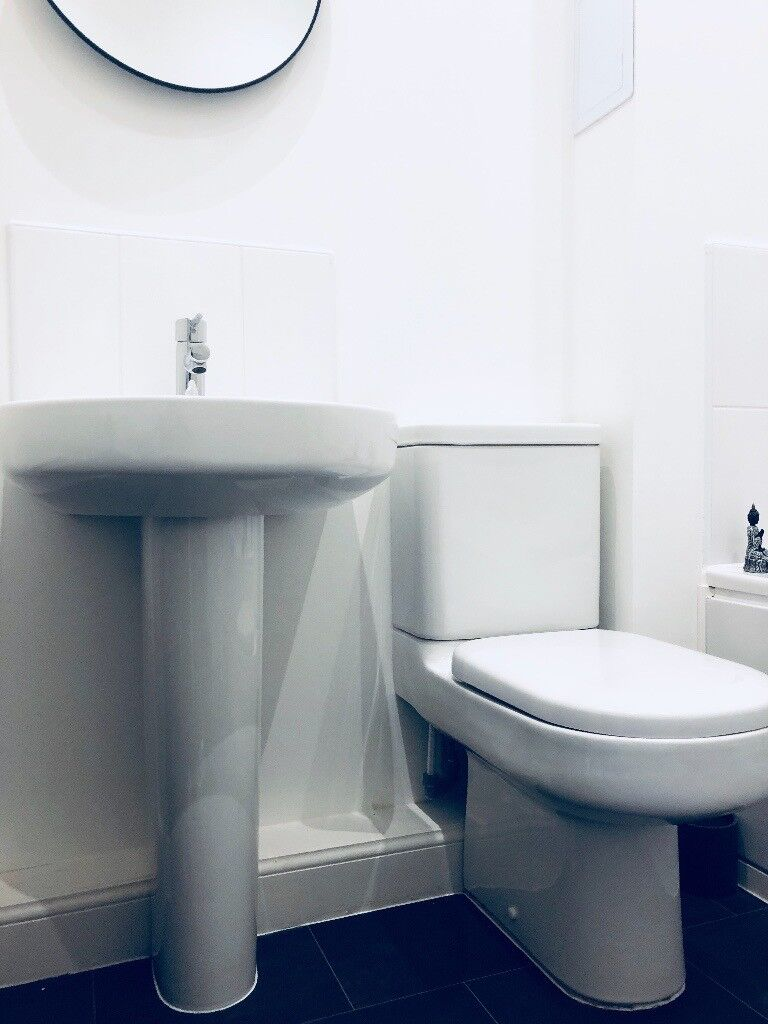 Ideal Standard Sink & WC and Grohe Tap | in Uddingston, Glasgow ...