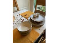 Next plate and bowl set