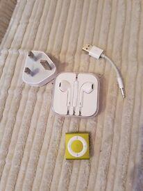 Apple ipod shuttle 2gb - mint condition