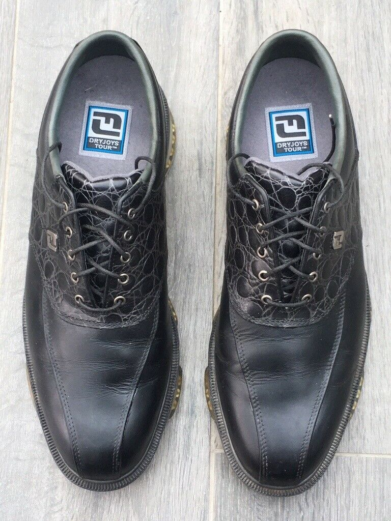 Footjoy dry joy tours golf shoe.