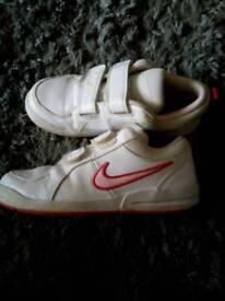 Girls Nike size 1