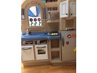 Little tykes indoor/outdoor kitchen