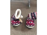 New Ankle boot slippers size 5/6.