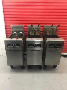 3 Electric fry master fryer , great shape , can ship any where in Canada