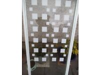 Shower screen door with pattern high impact safety glass