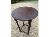 Vintage 1920s /1930s solid oak side / occasional / hall table with barley twist legs