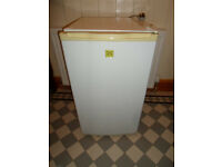 Daewoo Under Counter Fridge { No Ice Box } 84 x 47 x 49 Cm Good working order